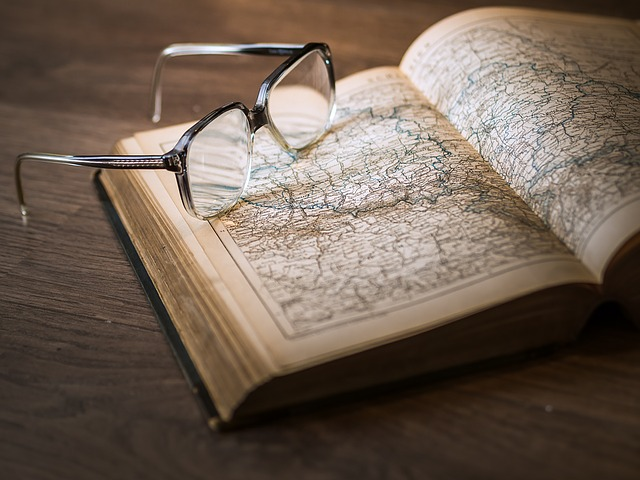 kniha s mapou