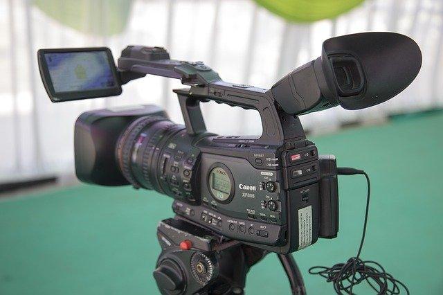 profesionální videokamera