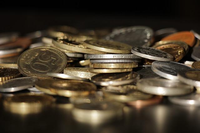 blýskavé mince zblízka